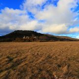 Krajobrazowy i chmurny niebo w Pyrenees Obrazy Stock