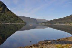 krajobrazowy jeziora drzewo Obrazy Royalty Free