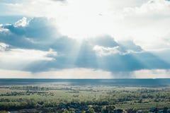 Krajobrazowy niebo i rosjanin wioska Fotografia Stock