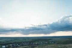 Krajobrazowy niebo i rosjanin wioska Fotografia Royalty Free