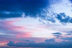Krajobrazowy niebo przy mrocznym czasem Zdjęcie Stock