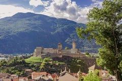 Krajobrazowy obrazek Castelgrande nad miastem Bellinzona obraz royalty free