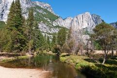 krajobrazowy pictur sceniczny wibrujący Yosemite royalty ilustracja