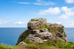 krajobrazowy rockowy niewygładzony denny brzeg fotografia royalty free