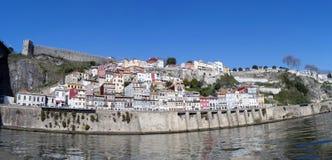 Krajobrazowy widok domy na Douro brzeg rzeki, Porto, Portugalia Zdjęcie Royalty Free