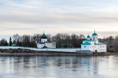 Krajobrazowy widok na kościół w Pskov, Rosja Zdjęcie Stock
