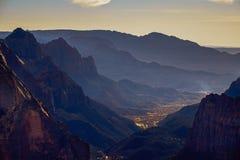 Krajobrazowy widok Zion parka narodowego dolina od obserwacja punktu, Utah Zdjęcia Stock
