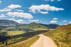 Krajobrazy Rodna góry w wschodnich Carpathians, Romania zdjęcie royalty free