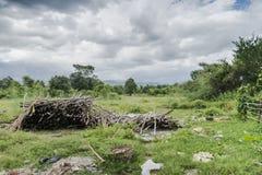 Krajobrazy z drewno przygotowaną kuchnią zdjęcia stock