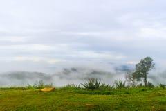 Krajom山小山顶视图。 免版税图库摄影