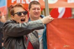 Krajowi bolszewicy wraz z partia komunistyczna zwolennikami, brali udział w zlotnym ocechowaniu Maja dzień Obrazy Royalty Free