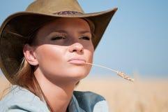 kraju kowboja pola banatki kobieta Zdjęcia Royalty Free
