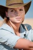 kraju kowboja pola banatki kobieta Zdjęcia Stock