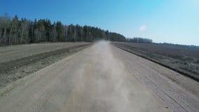 Kraju napędowy samochód na żwir drodze używać fisheye obiektyw zbiory wideo