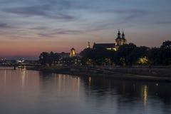 Krakà ³ w & x28; Cracow& x29; nocą, Polska Obrazy Stock