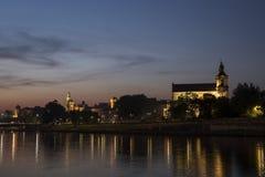 KrakÃ-³ w u. x28; Cracow& x29; bis zum Nacht Polen Stockbild