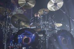 09-11-2017 Kraków Polonia, Epica se realiza en jugador del tambor del concierto Foto de archivo libre de regalías
