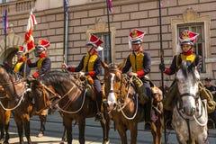KRAKAU, deelnemers jaarlijks van Poolse nationaal en officiële feestdag de 3 de Grondwetsdag van Mei Royalty-vrije Stock Foto