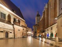 Krakau durch Nacht/die alte Stadt und die historische Architektur Lizenzfreie Stockbilder