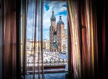 Krakau - Hauptplatz - Fensteransicht Stockfoto