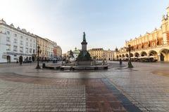 Krakau-Hauptplatz morgens Stockbilder