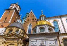 Krakau (Krakau) - de Kathedraal gouden koepel van Polen Wawel Stock Fotografie