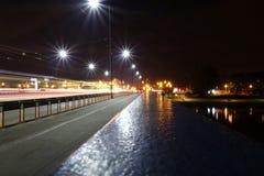 Krakau nachts lizenzfreie stockfotografie