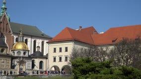 Krakau, Polen - de Lente, de Oude Stad van 2018 van Krakau Wawel Koninklijk Kasteel stock videobeelden