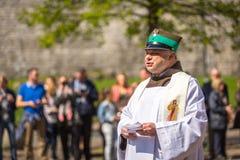 KRAKAU, POLEN - deelnemers jaarlijks van Poolse nationaal en officiële feestdag de 3 de Grondwetsdag van Mei Royalty-vrije Stock Foto's