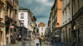 Krakau, Polen Florianskapoort Krakau, Middeleeuwse Florianska - St Florijn De Plaats van de Erfenis van de Wereld van Unesco stock footage