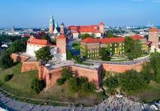 Krakau, Polen Hügel, Kathedrale und Schloss Wawel lizenzfreie stockbilder