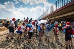 KRAKAU, POLEN - 31 JULI, 2016: Niet geïdentificeerde deelnemers van Worl Stock Afbeelding