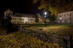 Krakau, Quadrat vor dem Bishop& x27; s-Wohnsitz in Krakau bis zum Nacht Lizenzfreies Stockfoto