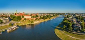 Krakau von der Vogel ` s Augenansicht Krakau-Landschaft mit Fluss die Weichsel und Wawel-Schloss Lizenzfreie Stockbilder