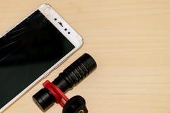 Krakingowy Handphone LCD ekran Z Wideo mikrofonem fotografia stock