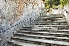 krakingowy stary schody Zdjęcia Stock