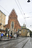 Krakow Augusti 19,2014: Dominikankyrka i den Krakow staden, Polen Arkivfoton