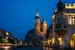 Krakow gammal marknad på natten Royaltyfri Fotografi