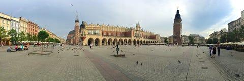 krakow huvudmarknadspoland fyrkant Arkivfoton