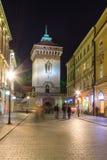 Krakow huvudsaklig fyrkant i aftonen Fotografering för Bildbyråer