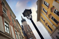 Krakow huvudsaklig fyrkant, Polen Arkivfoto