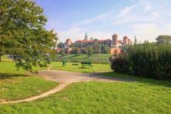 Krakow/medeltida slott poland arkivfoton