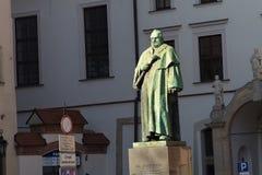 KRAKOW, POLÔNIA - 28 DE MARÇO DE 2017: Monumento de Joseph Dietl Localizado no quadrado de todos os Saint Foto de Stock Royalty Free