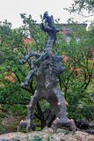 KRAKOW, POLÔNIA - EM JUNHO DE 2012: Dragão de Wawel Foto de Stock