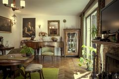 Living room interior of a house full of antiques Royalty Free Stock Photography
