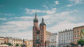 krakow Poland St Mary bazylika i płótno sali budynek Sławny stary punktu zwrotnego kościół nasz dama zakładająca w niebo zdjęcie wideo