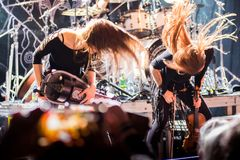 Krakow Polen December 20 2017, Eluveitie i konsert Royaltyfri Bild