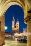 Krakow - Polen - kyrka av vår dam/Sts Mary kyrka Royaltyfri Fotografi
