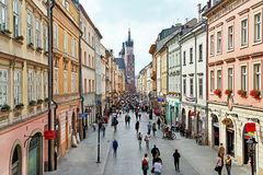 Krakow, Polska †'Wrzesień 12, 2015: Malowniczy widok Florian ulica Fotografia Stock