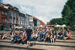 KRAKOW POLSKA, CZERWIEC, - 27 2015: Bezpłatna chodząca wycieczka turysyczna w Krakow Zdjęcie Royalty Free